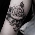 ROSE SKULL  _ TATTOO BY MONSIEUR YOH
